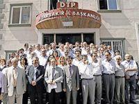 DTP'li başkanlar: 'Umutluyuz, inisiyatif alın'