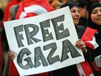 Onbinler İsrail'i protesto etti