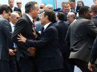 G-8'de korumalar kavga etti, Liderler ayırdı!