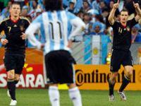 Almanya Arjantin'i parçaladı