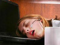 Kadınlar internetsiz uyuyamıyor!