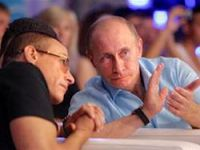 Putin, Van Damme'ı dövüşe götürdü!