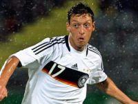 Mesut Özil Real'emi gidiyor ?