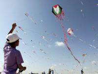 Gazzeli çocuklardan uçurtma şenliği