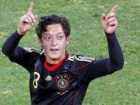 Mesut Özil, Real Madrid'e transfer oldu Flaş