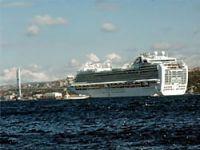 Dev yolcu gemisi İstanbul'da