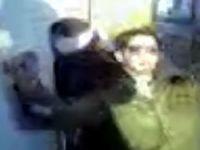 Gözleri bağlı Filistinli kadına dans işkencesi