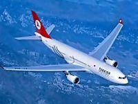 İstanbul'da iki uçak havada çarpışıyordu