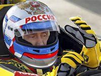 Putin bu kez de F1 pilotu oldu!