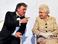 Ödülünü Kraliçe'nin elinden aldı