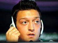 Mesut Özil rekor kırdırıyor!