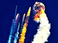 Uydu taşıyan roket havada infilak etti