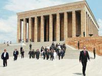 YAŞ üyeleri Erdoğan'a yetişemedi