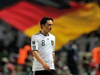 Mesut Özil'den Baba Ocağına Yardım