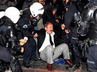 'Sivil itaatsizlik'e polis müdahalesi