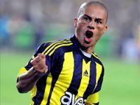 Fenerbahçe Alex'le kazandı