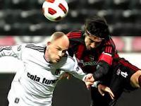 Beşiktaş final kapısını araladı