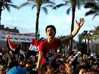 Tahrir'de gösteriler devam ediyor