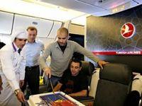 Uçakta Barcelona'ya sürpriz!