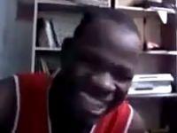 """Siyahi gencin """"Püskevit""""li videosu!"""