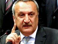 Mehmet Ağar'dan sürpriz destek!