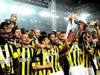 Fenerbahçeli futbolcular umre yolcusu