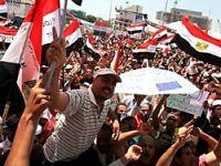 Mısır'da muhalifler meydanlarda