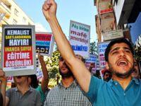 Diyarbakır'da Anadil ve Başörtüsü yasağı protesto edildi
