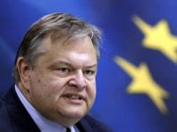 Atina Euro bölgesinde kalmak istiyor
