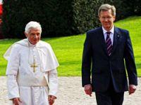 Papa, Almanya'da istenmeyen adam