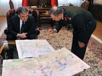 Gül'e harita üzerinden saldırı brifingi