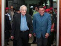 Chavez, Noam Chomsky'yi kabul etti