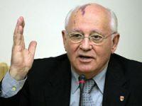 Gorbaçov: Putin siyaseti bırakmalı