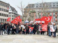 Protesto mitingine 30 kişi katıldı