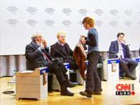 'Wal Street' eylemcileri Davos'u bastı