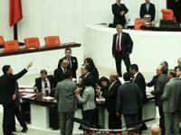 Mecliste yumruk hesaplaşması!