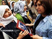 Selvi Kılıçdaroğlu: Dilinizi anlamasamda acınızı çok iyi anlıyorum!
