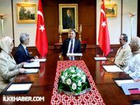 Gazetecilerden Gül'e: Dink raporundan rahatsısız!