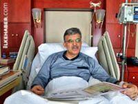 Gül, hastaneden ilk fotoğrafını yayınladı