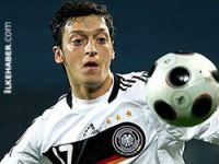 Mesut Özil: İyi ki Alman Milli takımı'ndayım