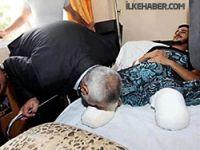 Vatandaşının ayaklarını öpen Başbakan!