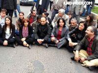 Diyarbakır'da miting yasaklandı, BDP'liler oturma eylemi başlattı