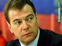 Medvedev: Esad hayati bir hata yapıyor
