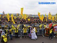 Newroz kutlamalarına on binler katılıyor