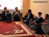 Akil İnsanlar Uğur Kaymaz ve Mehmet Sincar'ın ailelerini ziyeret etti
