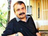 'Meydanda tek bir Kemalist var, o da AKP hükümeti'