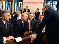 Bahçeli ile Sakık Birinci Meclis'te sohbet etti