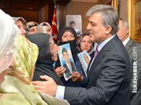 Gül'den eylemdeki ailelere övgü
