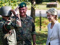 Alman Bakan peşmergeleri ziyaret etti