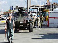 Diyarbakır'da Kobani yürüyüşü öncesi asker kent merkezine indi